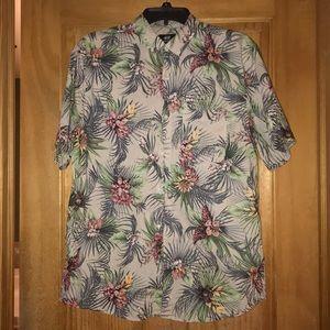Short sleeve button up collar shirt